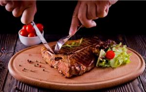 المعدل الطبيعي لتناول اللحوم الحمراء في الإسبوع 1 300x189 - المعدل الطبيعي لتناول اللحوم الحمراء في الإسبوع