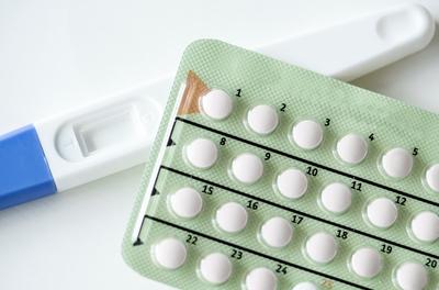 هل لحبوب منع الحمل اضرار عند الحمل