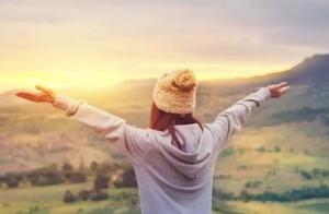 كيف يحصل الإنسان علي السعادة