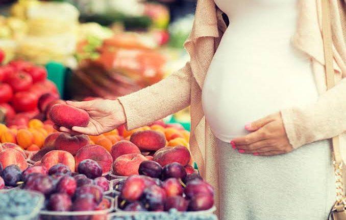 فوائد الخوخ للحامل