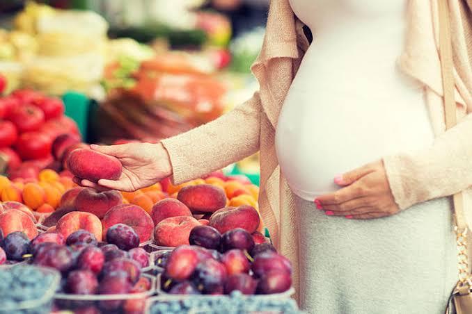 images 52 - فوائد الخوخ للحامل