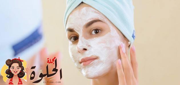 طريقة تنظيف الوجه من الدهون والأوساخ