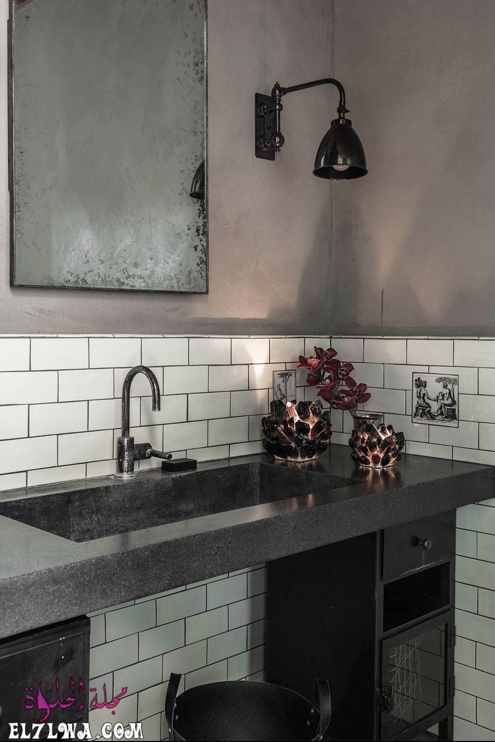 ديكور حمامات باللون الأسود