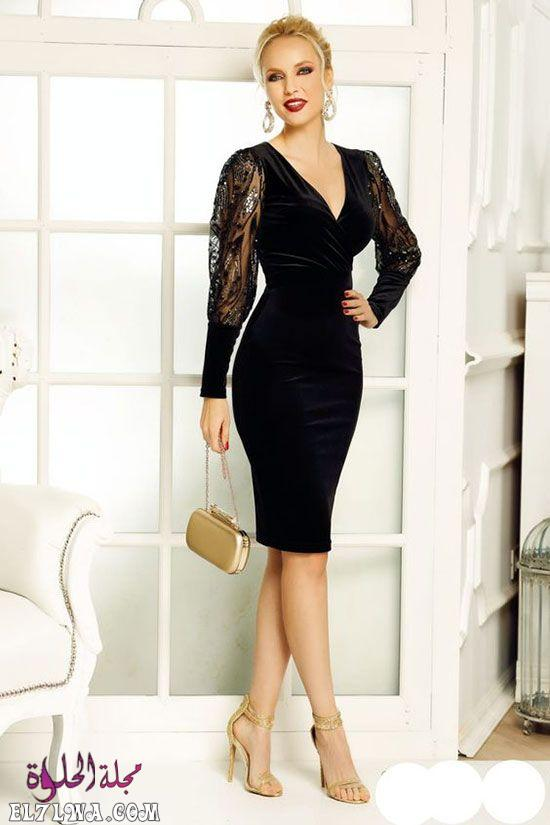 فستان سهرة قطيفة موضة ٢٠٢١