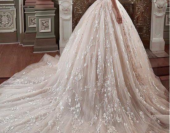 فساتين زفاف فخمة منفوشة 2021