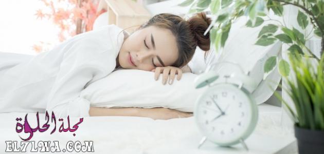 هل النوم على البطن يسبب موت الجنين